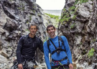 (L to R): Bear Grylls and Alex Honnold during production of National Geographic's RUNNING WILD WITH BEAR GRYLLS. (National Geographic/Jeff Simms)