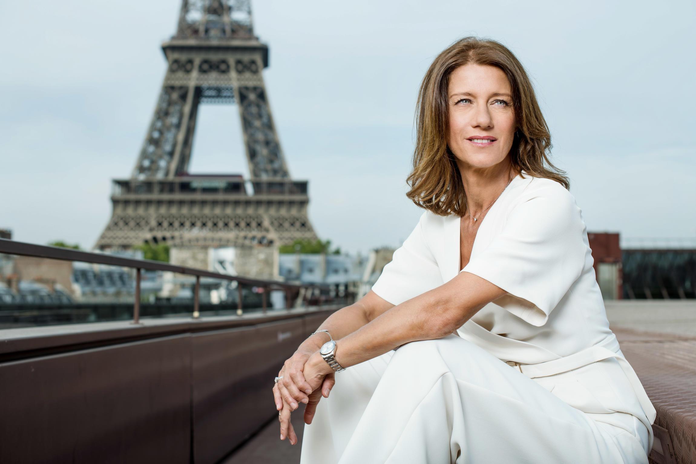 """""""Des Racines et des Ailes, la tour Eiffel a 130 ans!"""", émission présentée par Carole Gaessler Paris, FRANCE- le 25/08/19"""